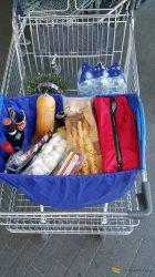Bevásárló kocsiba akasztható szatyor kék, hűtő zsebbel, üveg tárolóval