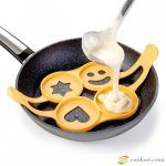 Tescoma Szilikon palacsinta, tojás fánk sütőforma, 4db-os
